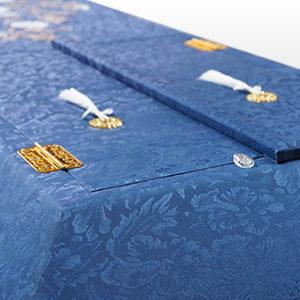 布張棺 別注オリジナル棺など生地からデザインまでご要望に合わせた提案をいたします。